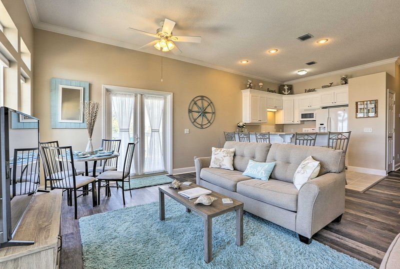 Fall in love with Panama City Beach at this vacation rental home for 12.