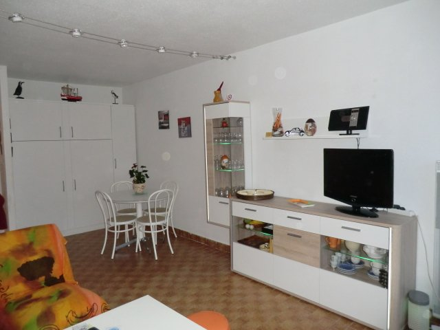 side view dining room