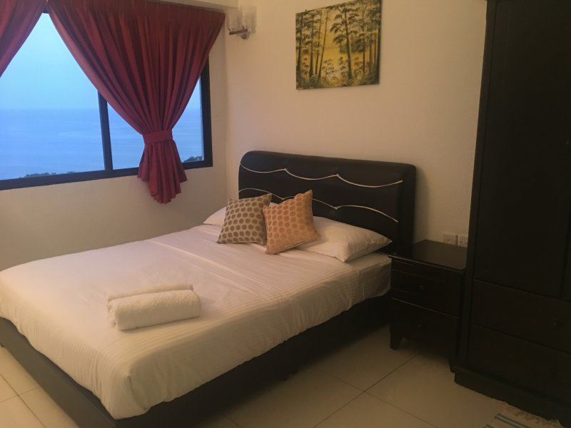 The View Feringghi Executive Apartment, holiday rental in Teluk Bahang