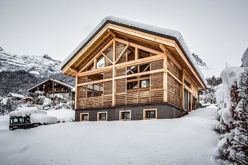 TURN WHITE CHALET IN WINTER