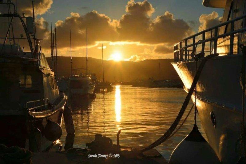 Coucher de soleil du port Lachi