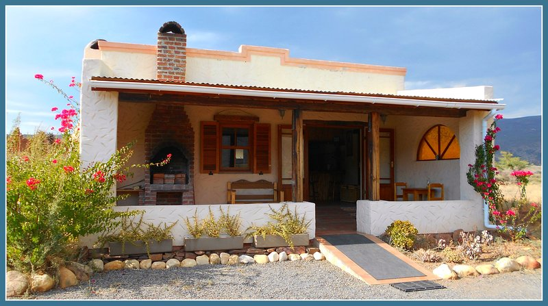 Luxury Self Catering Cottage in the Klein Karoo, holiday rental in Ladismith