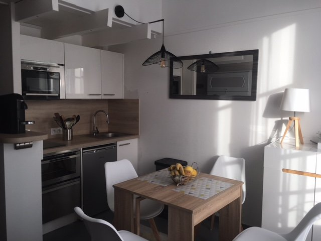 Appartement de 30 M dans residence avec piscine et à 150 m de la mer., holiday rental in Loix