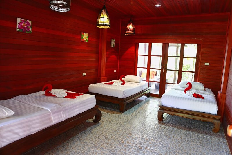 Stayte Family Villa, holiday rental in Ban Chalok Lam