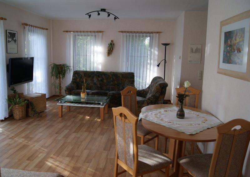 Ferienwohnung Elsterblick 54qm, holiday rental in Arzberg