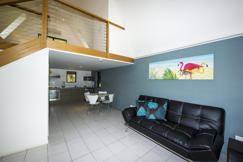 Canopy Chalet 10 - Nelly Bay, QLD, holiday rental in Magnetic Island