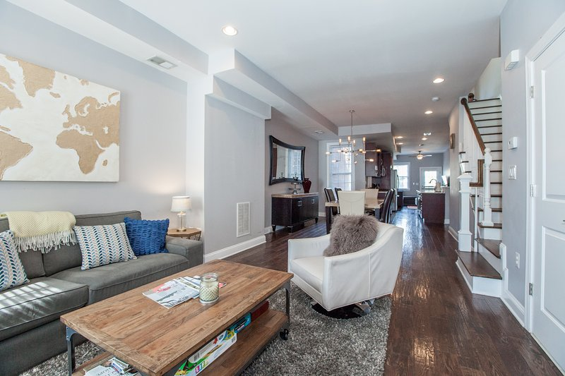 Elegant 3/2.5 in heart of DC, holiday rental in Hyattsville