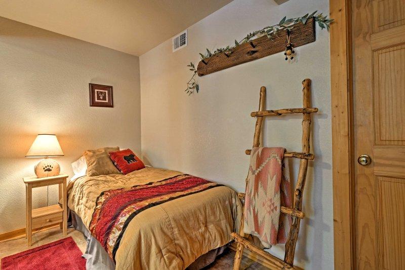 Vous trouverez décor unique dans toute la maison qui apporte l'extérieur à l'intérieur.