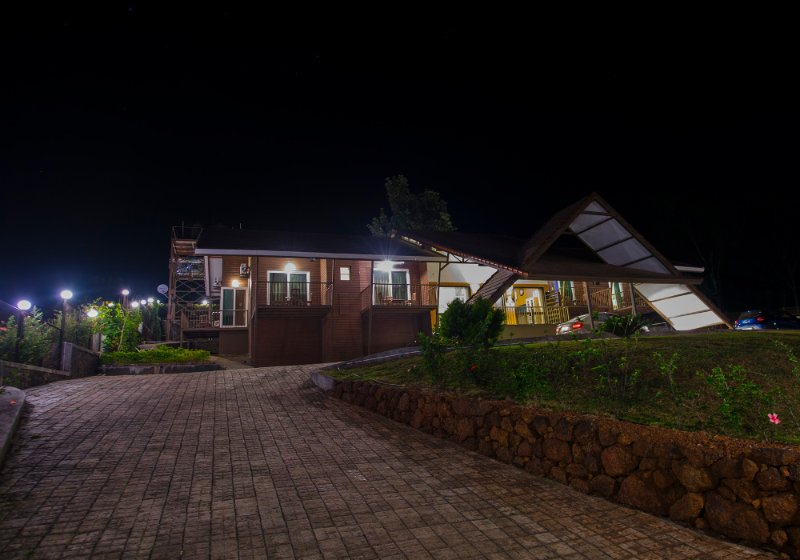 Amazing view of Dala Mare bungalow entrance during night time.