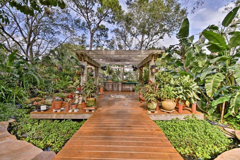 Plan your next Sarasota trip to this stunning  vacation rental cottage that sleeps 2!