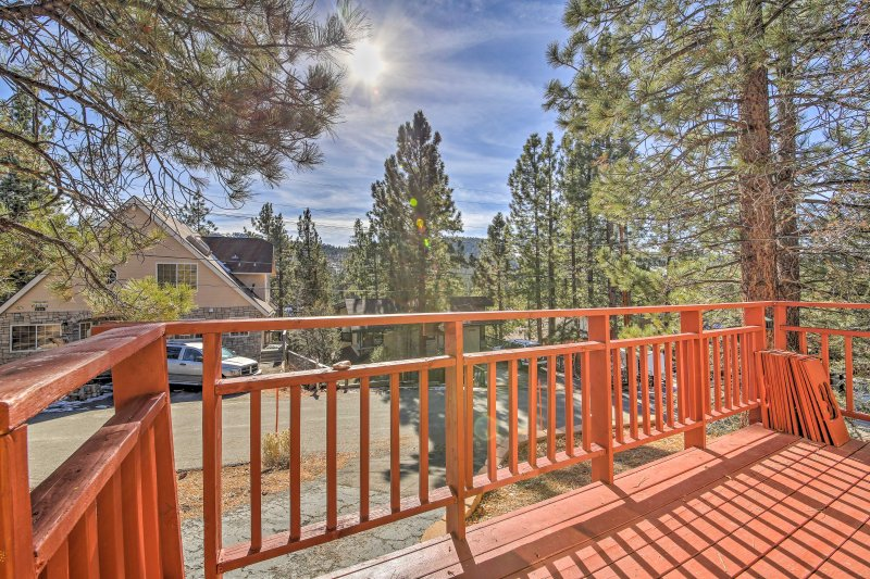Make this 2-bedroom, 1-bathroom vacation rental house your new favorite Big Bear Lake destination!