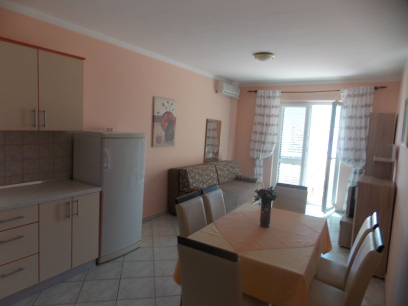 Apartments Vivien Kustici  -  A4+2 Top Floor - up to 6 persons, holiday rental in Kustici