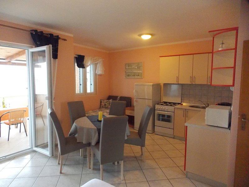 Apartments Vivien Kustici  -  A2+3 Top Floor - up to 5 persons, holiday rental in Kustici