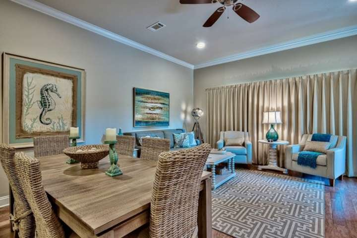 Large dining table to accommodate families or groups