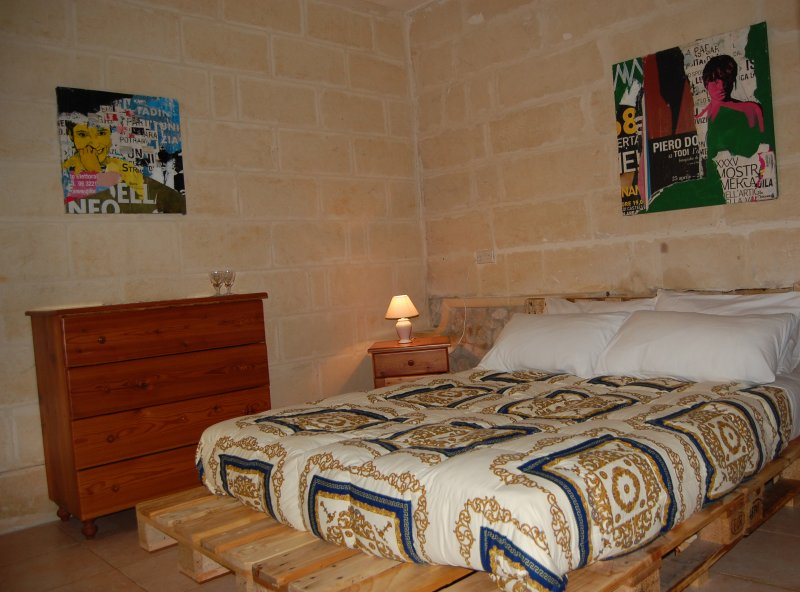 Double Room in typical farmhouse B&B, holiday rental in Gharb