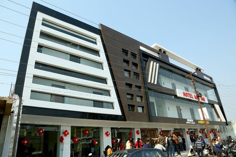Hotel Kss Inn Jollygrant Airport Dehradun , Uttarakhand