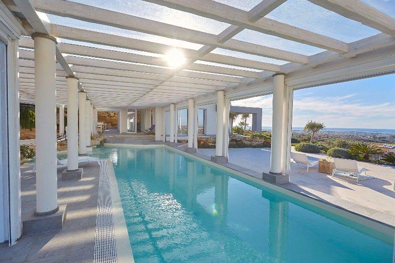 Villa with covered pool near Marsala, location de vacances à Marsala