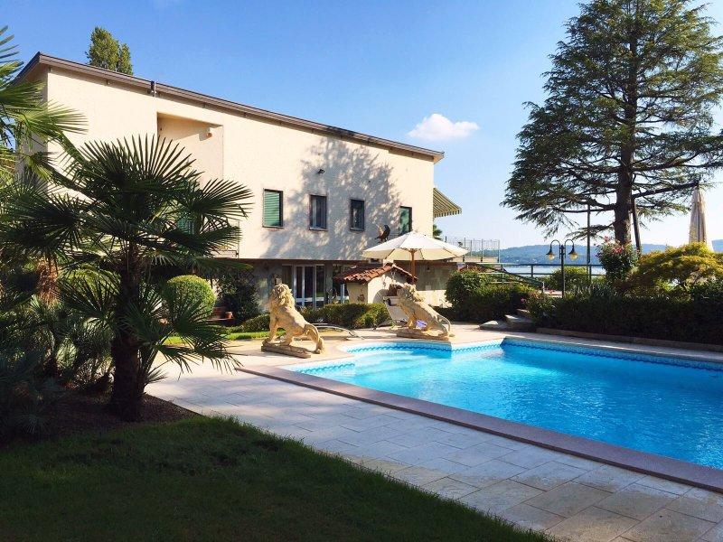 Villa Ninfee una villa junto al lago con piscina privada