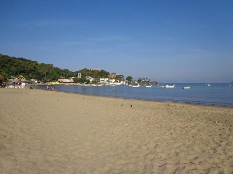 Tropico Cabana Rustic Bungalow #4, location de vacances à La Peñita de Jaltemba