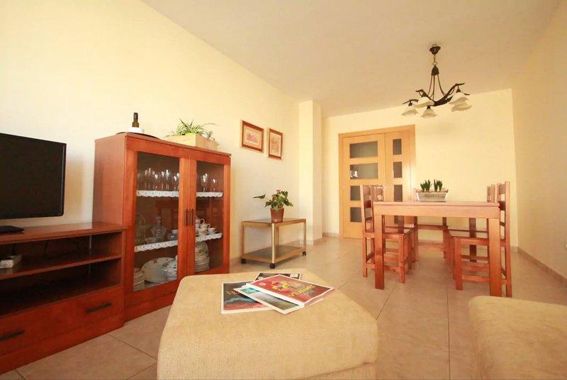 Apartamento Cine Serrano, holiday rental in Benlloch