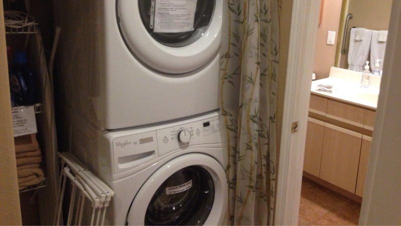 El detergente se proporciona para su lavadora y secadora.