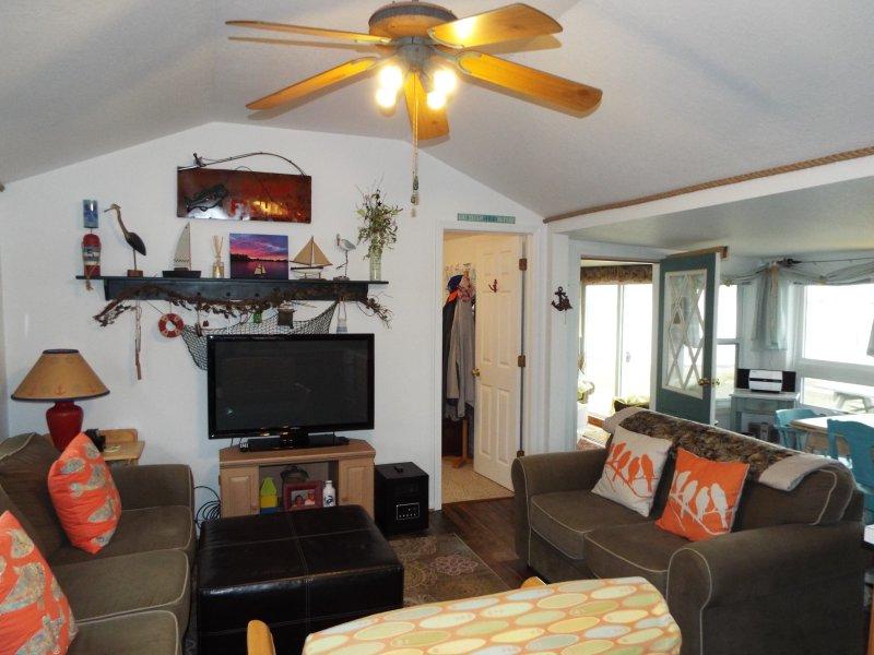 BIRD WATCHER PARADISE/WATERFRONT HOME, holiday rental in Oak Harbor