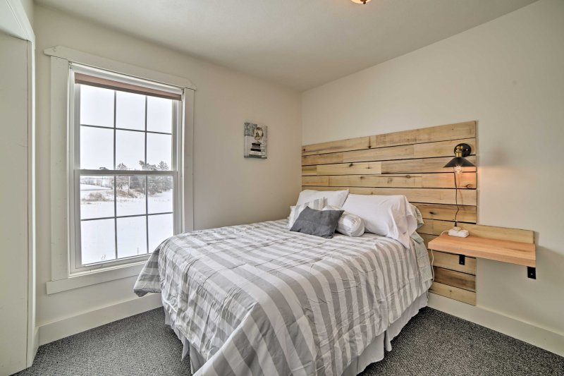 Curl up with a good book on the full-sized bed in the third bedroom.