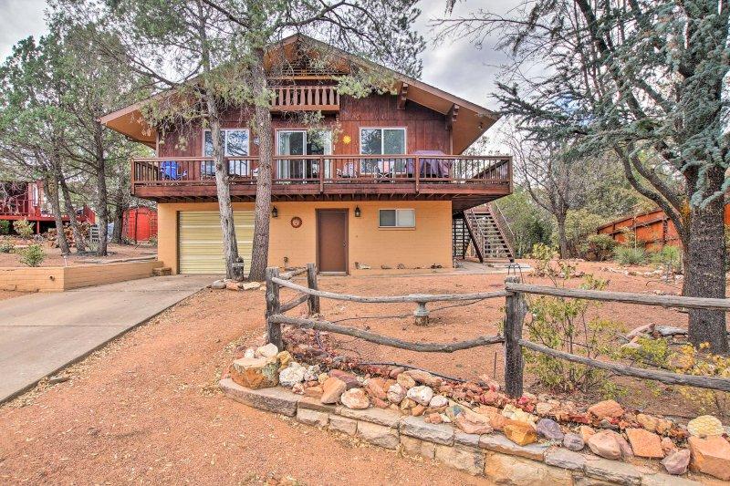 Planificar su próxima escapada del Norte Arizona central a esta hermosa 2 dormitorios, 2 baños casa de alquiler de vacaciones en Payson.