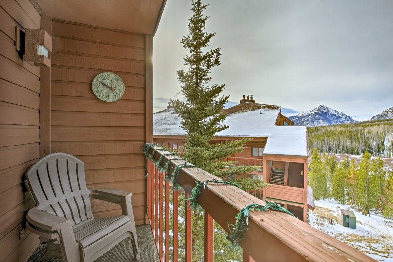 This rustically furnished unit sleeps 6 and is filled with all of the mountain house essentials to make your trip unforgettable.