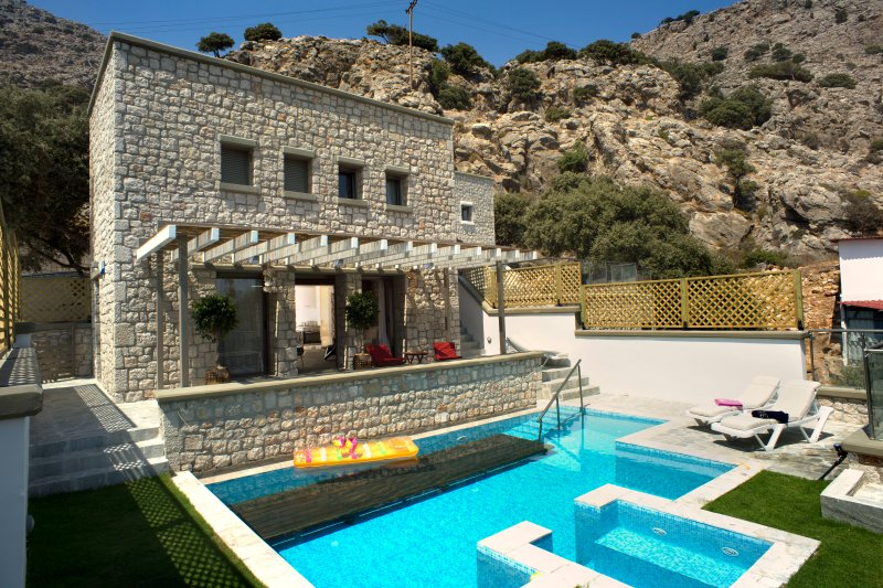 villa Ellie, Exclusive 2bedroom villa with private pool, holiday rental in Pefkos