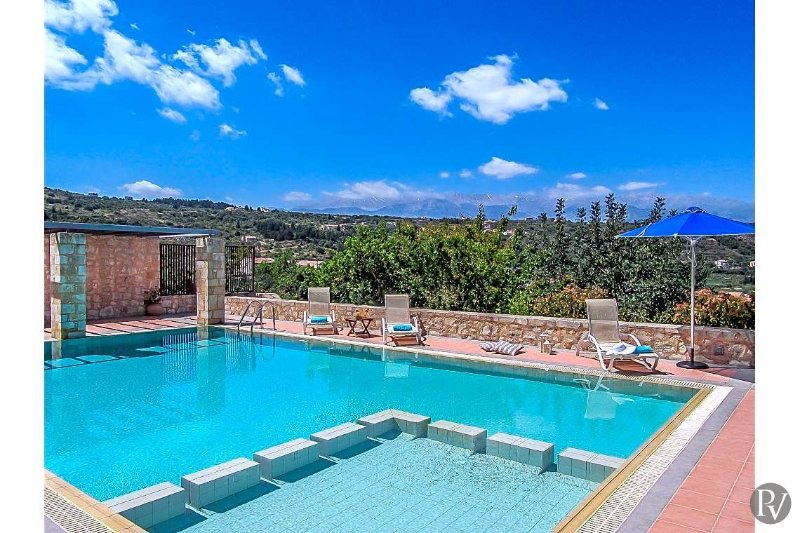Gavalokhorion Villa Sleeps 12 with Pool and Air Con - 5569132, vacation rental in Gavalochori