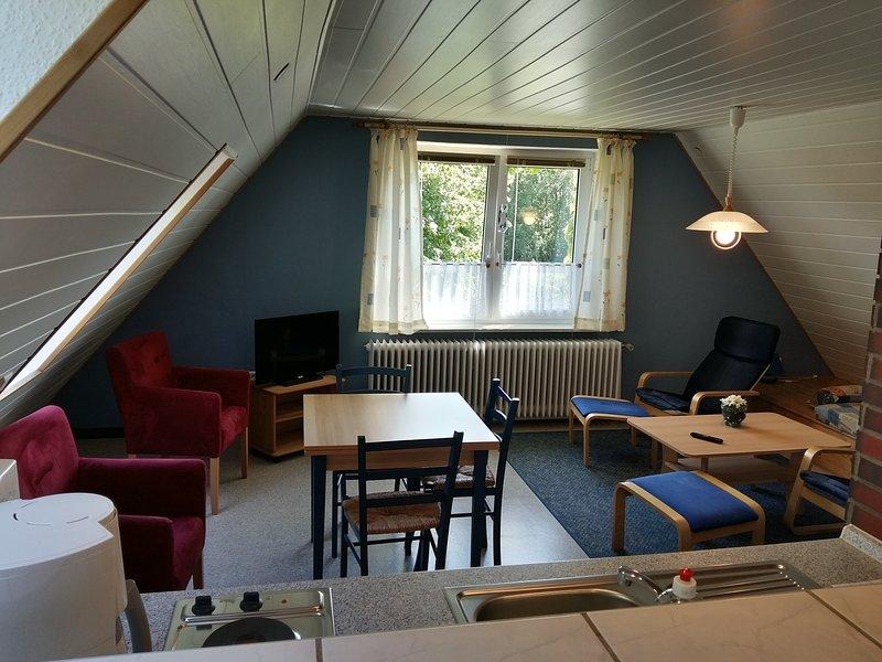 Gästehaus Zur alten Post 'Landhaus Dachgeschoss', holiday rental in Dornumersiel
