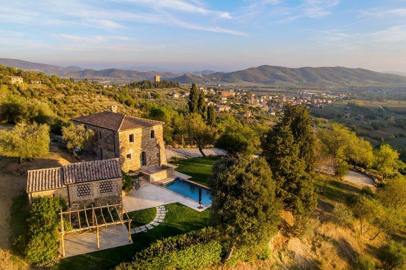 Authentic Villa in Trasimeno Lake, vacation rental in Torricella di Magione