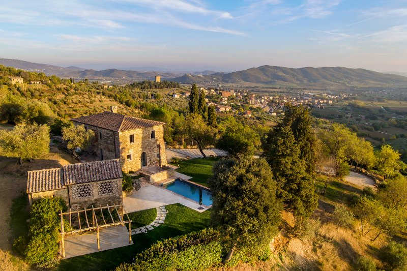 Authentic Villa in Trasimeno Lake, holiday rental in Sant'Arcangelo