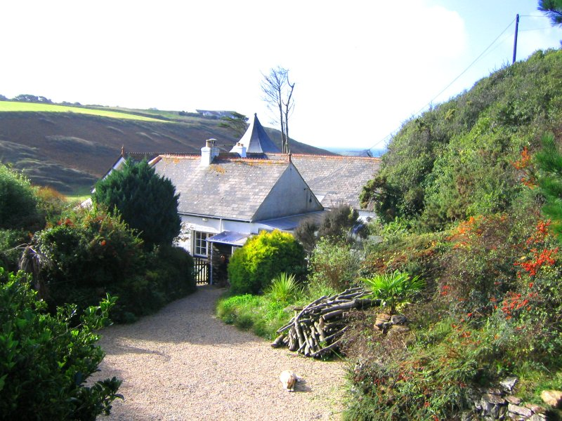 Cwary Vean self catering holiday cottage, Chris Morley, Mullion, Cornwall TR12 7HU