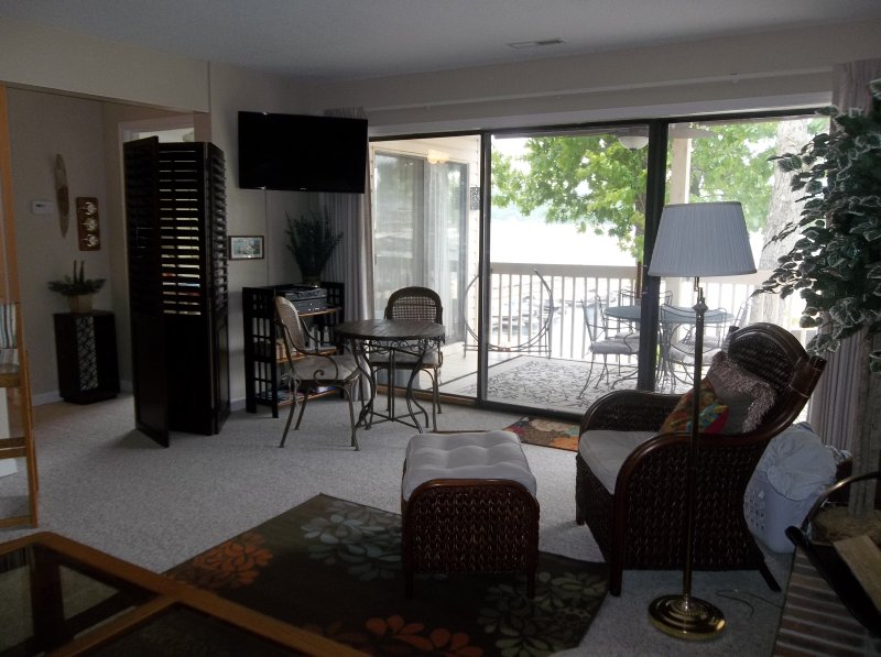 Beautiful one bedroom condo at Bay Point