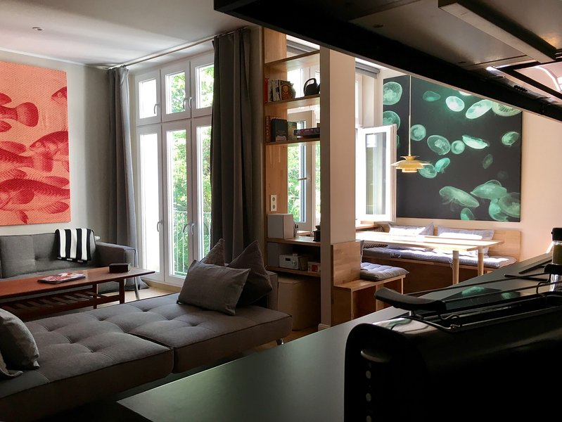 LEGAL Apartment for 6 / 3BR / 2Bath, vacation rental in Berlin