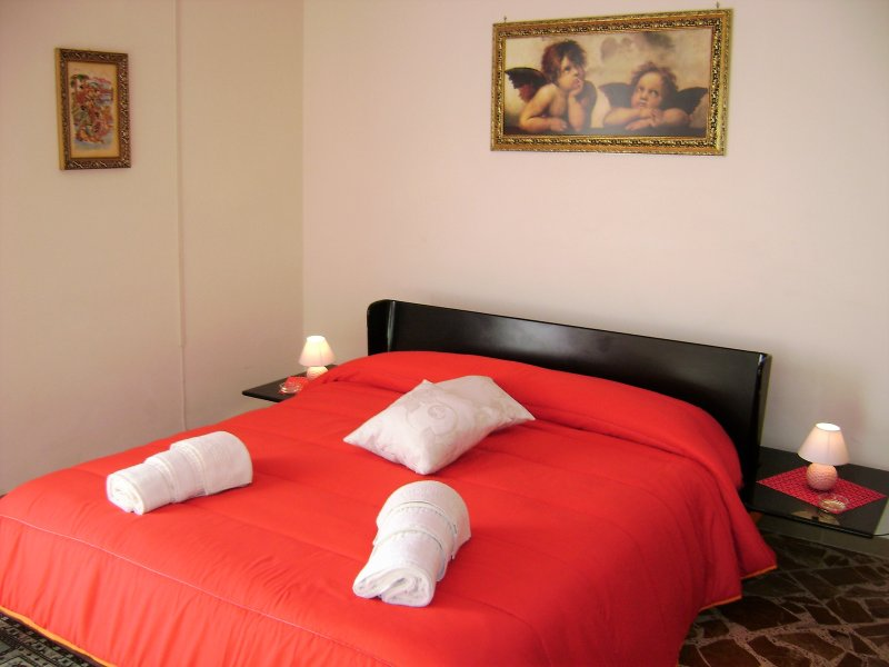 ZU' Mikele, appartamento uso turistico, per coppie, famiglie e gruppi.Arredato con tutti i confort.