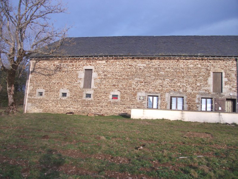 GITE LES CHAUMEIX, holiday rental in Saint-Pierre-le-Chastel