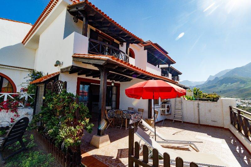 Cliff Terrace, holiday rental in Sardina