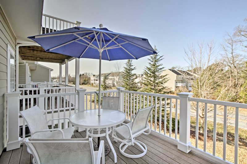 Relax at this beautiful 4-bedroom, 3.5-bath vacation rental condo in Millville.
