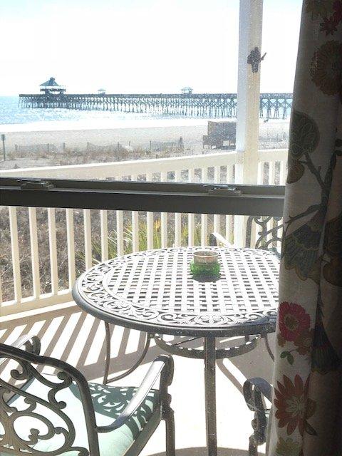 un des vues sur la plage de fenêtres BR maître ... bureau a les meilleurs