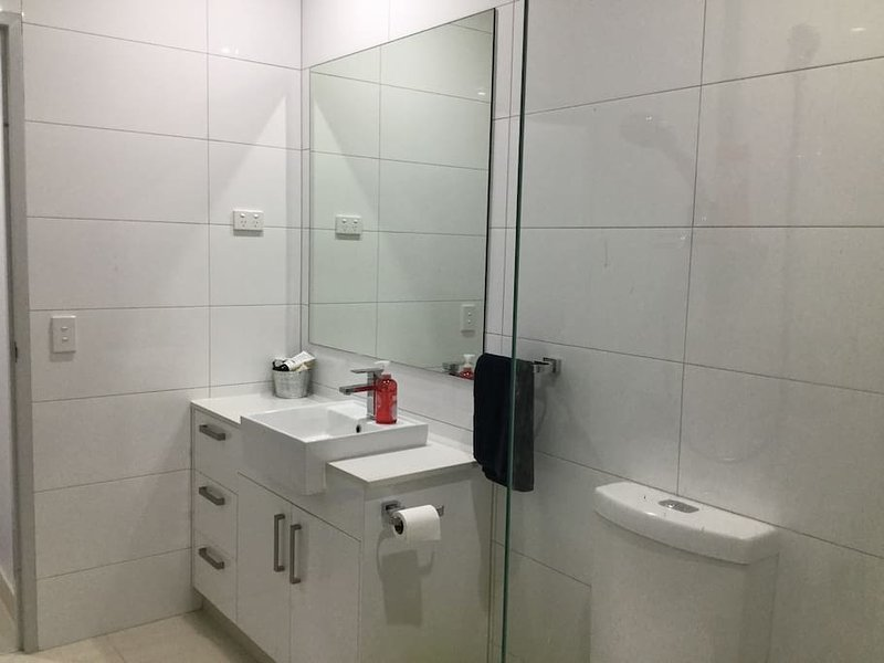 douche double Bathroom-, coiffeuse, toilettes, serviettes fournies