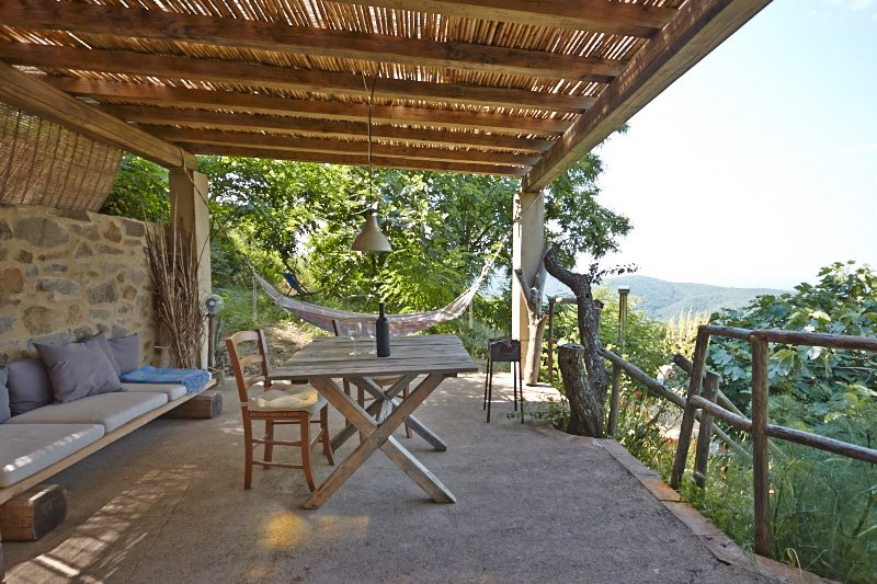 Il Baciarino : La Quercia ~ a rustic nature retreat with endless views, aluguéis de temporada em Grilli