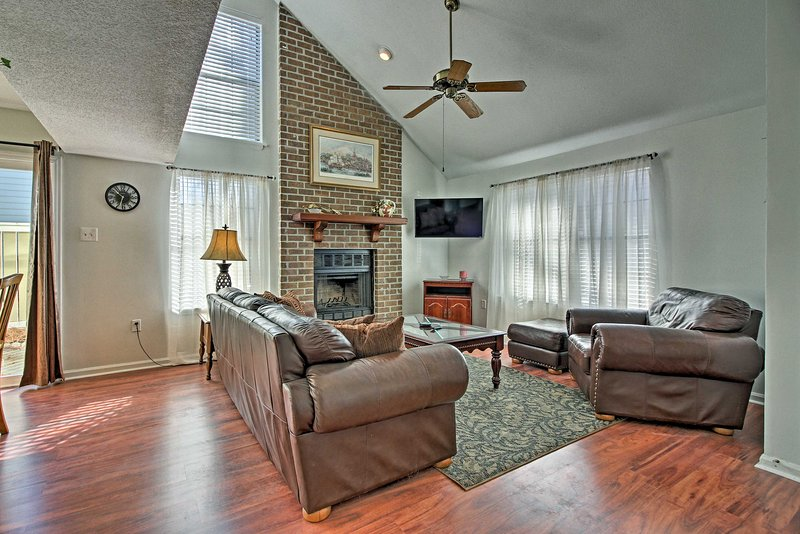 You'll feel right at home with amenities such as a flat-screen cable TV and wood-burning fireplace.