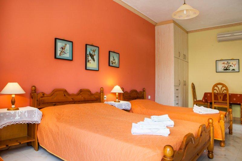 Tzivras Studio Apartment (Triple), Ferienwohnung in Lassi