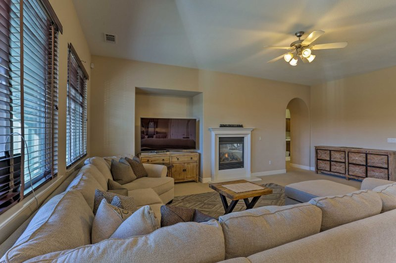 This spacious 2,900-square-foot property sleeps 6 and features a gourmet kitchen with granite countertops, in-unit laundry machines, and a spacious backyard!