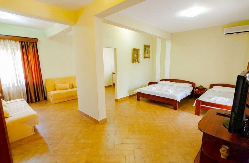 Apartments Nilaj - Apartment # 1, location de vacances à Ulcinj