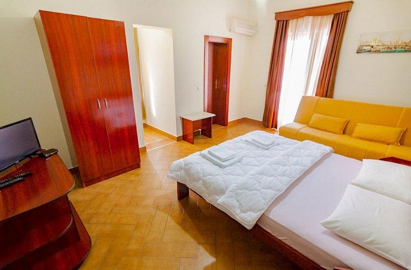 Apartments Nilaj - Studio 3, location de vacances à Ulcinj