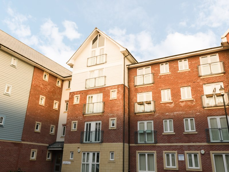 43 SADDLERY WAY, open-plan, close to city centre, balconyies, in Chester, Ref, casa vacanza a Hawarden